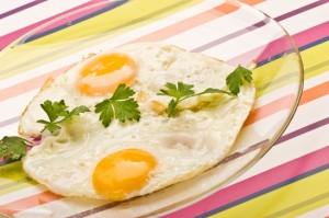 Piatto con due uova