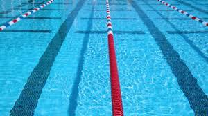 Il cloro delle piscine può essere una delle cause che portano all'otite esterna