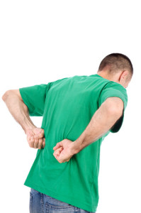 Uomo con dolore a reni da colica renale